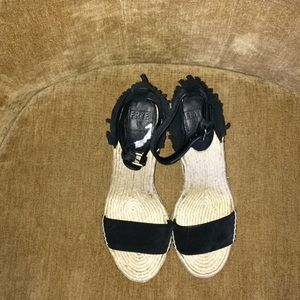 Never worn Lelia feather wedge sandals by Frye